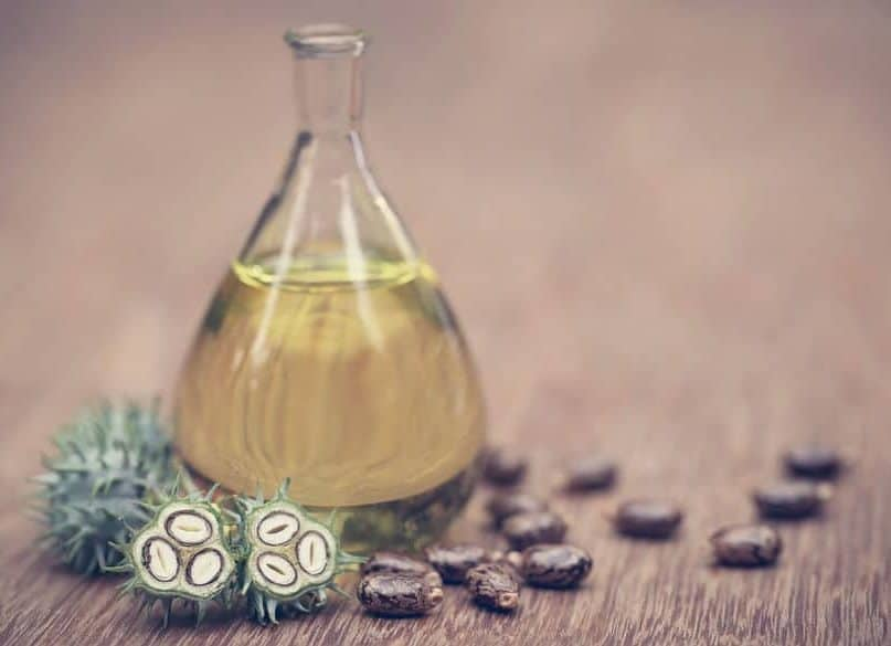 10 Beauty Benefits of Castor Oil You Must Apply