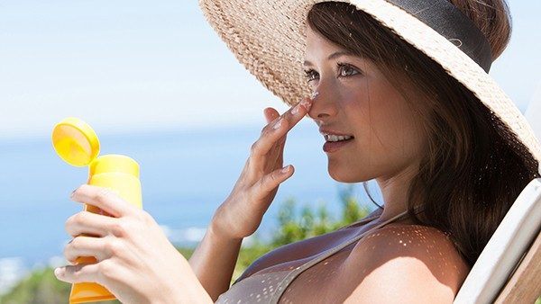 How to Prevent Wrinkles - Sunscreen