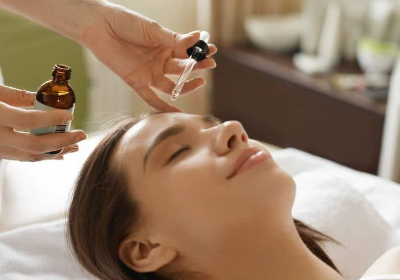 10 Best Natural Anti-Aging Oils to Rejuvenate Your Skin Over Age 30