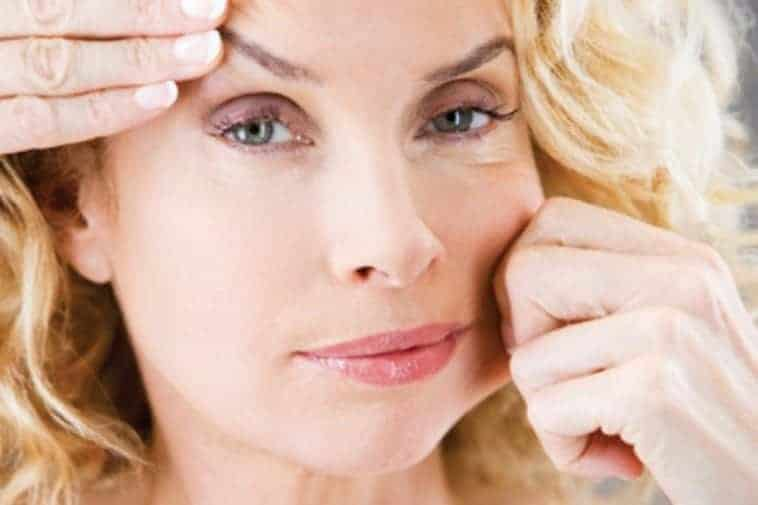 Aging Skin: 15 Signs And Some Great Home Remedies To Deal With It
