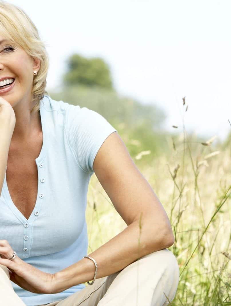 13 Natural Ways to Reduce Menopause Symptoms