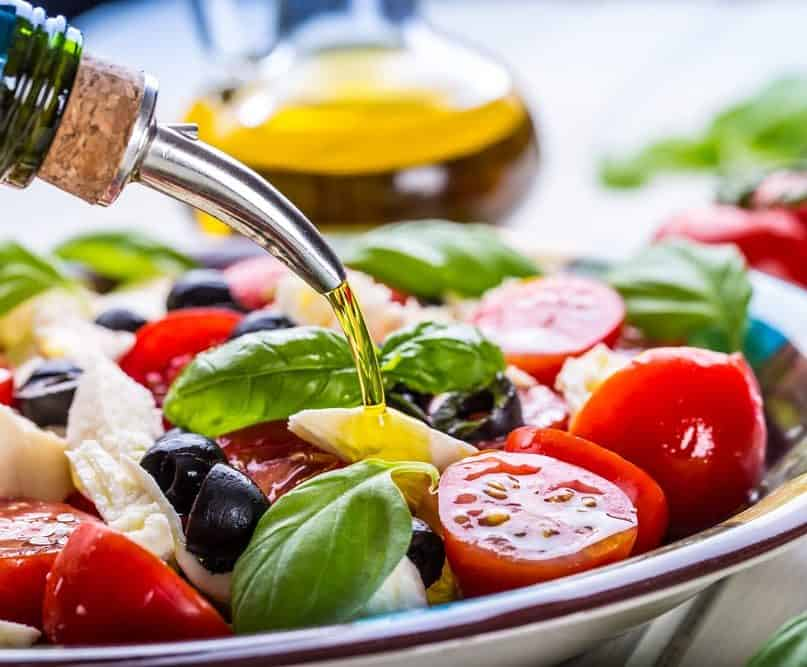 Here's Why the DASH and Mediterranean Diets Are the Top Diets for 2020